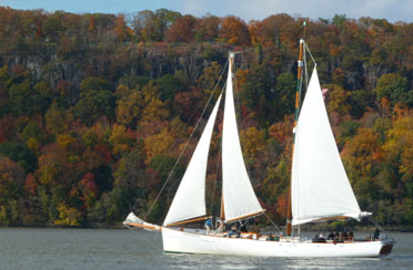 http://www.sail-nyc.com/wp-content/uploadFall Foliage Sail abroad Schooner Adirondack.jpg